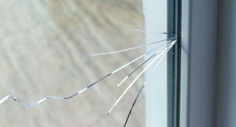 21. ガラスが割れる時 -3  熱割れ